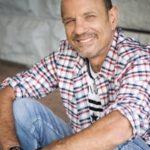 Bob Peters - Voiceover Artist - Purple Wax